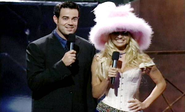 /content/ontv/vma/archive/images/1999/flipbook/1999_outfit_01.jpg