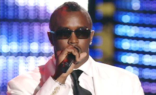 /content/ontv/vma/archive/images/2004/flipbook/2004_diddy_01.jpg