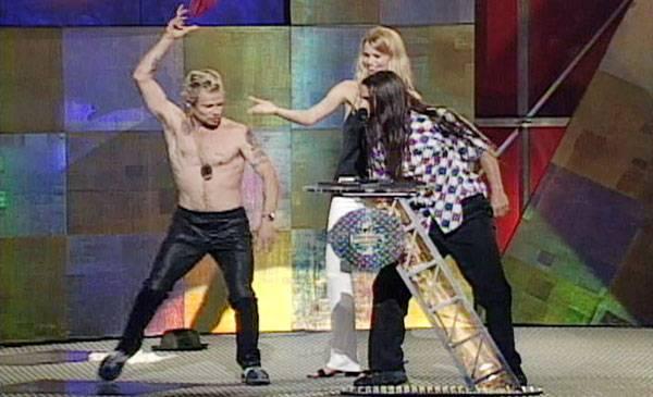 /content/ontv/vma/archive/images/1996/flipbook/1996_flea_striptease1.jpg