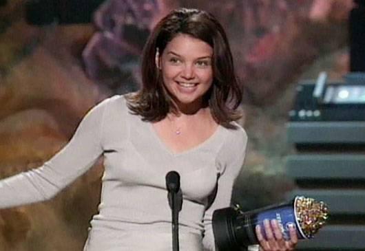 /content/ontv/movieawards/images/1999/flipbook/KatieHolmes.jpg