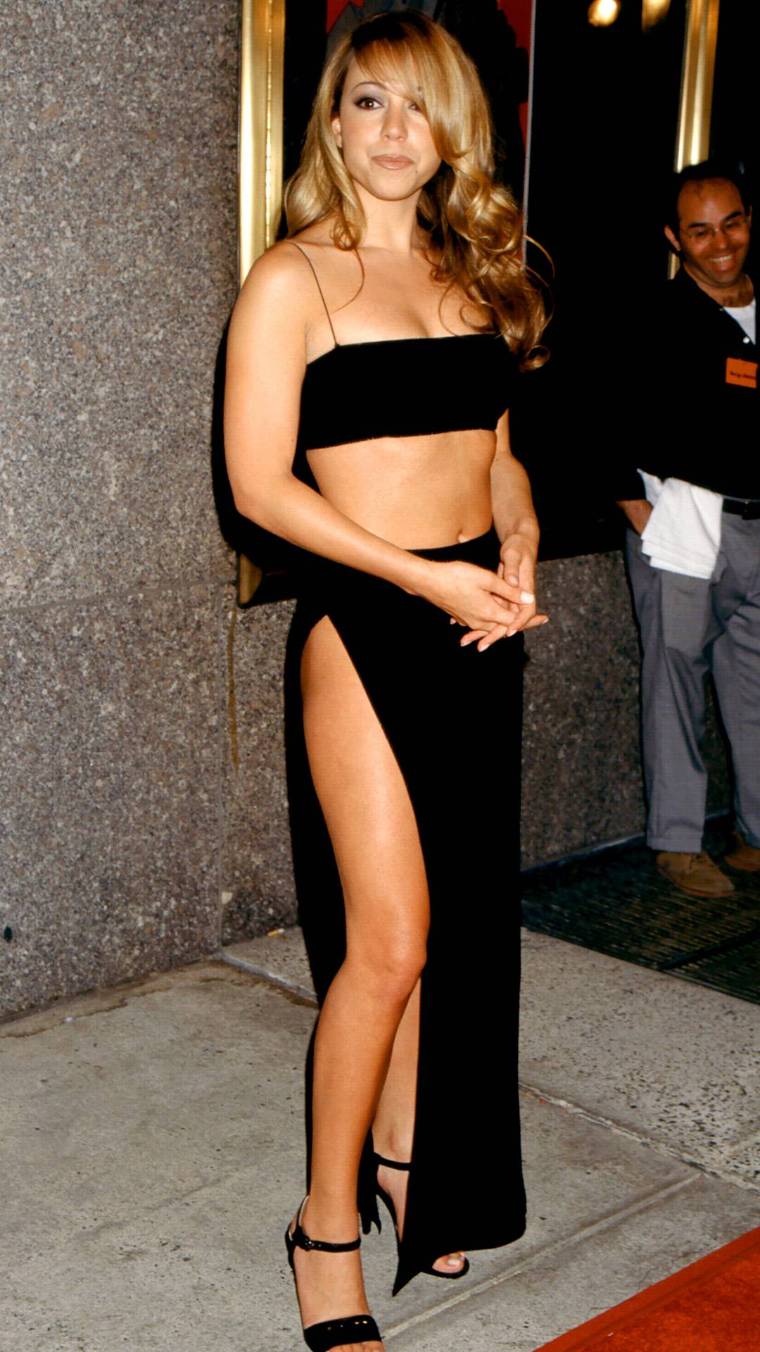 MTV Video Music Awards 2021   Are These MTV VMA 90s Looks Making a Comeback?   Mariah Carey   1080x1920