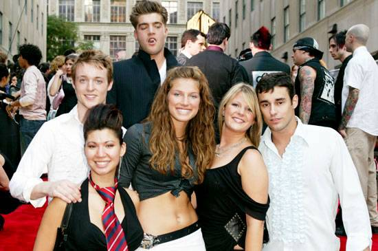 King of class, CT, looms over Simon, Christina, Mallory, Leah and Ace, the cast of 'Real World: Paris,' at the 2003 MTV Video Music Awards.