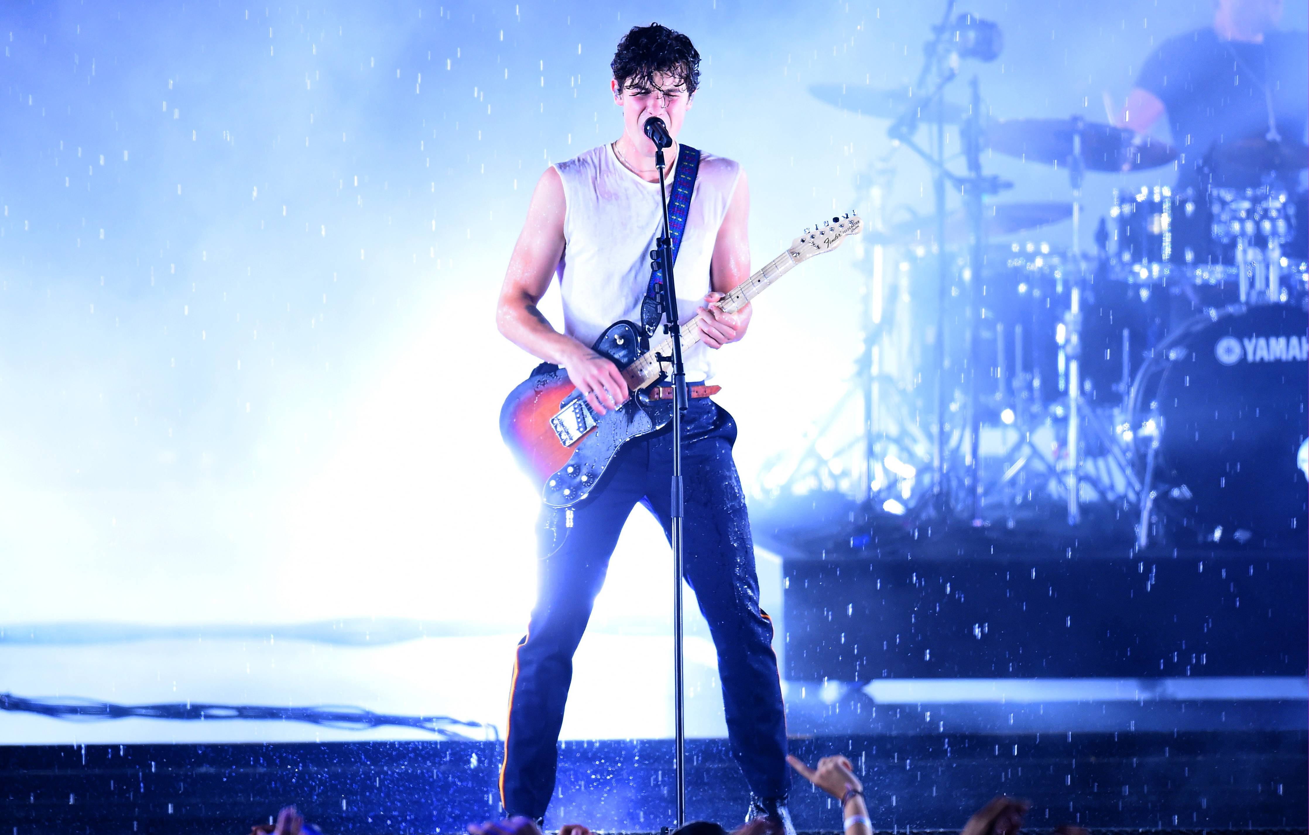 """Shawn Mendes had us all singing in the rain during his drenching rendition of """"In My Blood"""" at the 2018 VMAs."""