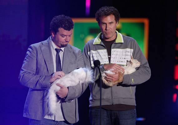 /content/ontv/movieawards/2009/photo/flipbook/09-show-highlights/cats-danny-mcbride-will-ferrell-88087286.jpg