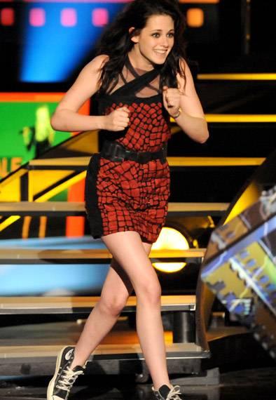 /content/ontv/movieawards/2009/photo/flipbook/09-show-highlights/kristen-stewart-best-actress-twilight-88088086.jpg