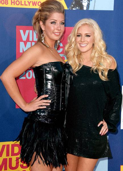 Stylish sisters Holly and Heidi Montag of 'The Hills' show off their coordinating ensembles at the 2008 MTV Video Music Awards.