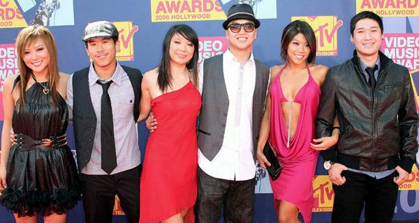 Kaba Modern of 'America's Best Dance Crew' swap their dance costumes for red carpet gear at the 2008 MTV Video Music Awards.