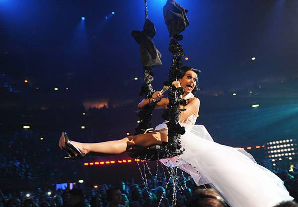/content/music/ema/2009/photos/show-highlights/92808022-katy-perry.jpg