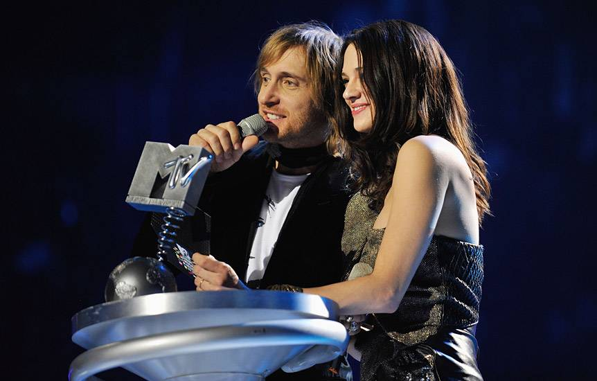 /content/music/ema/2009/photos/show-highlights/asia-argento-david-guetta-92812603.jpg