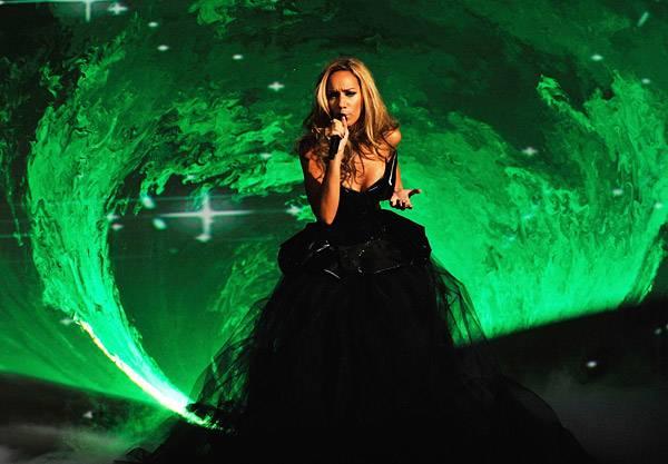 /content/music/ema/2009/photos/show-highlights/92808008-leona-lewis.jpg