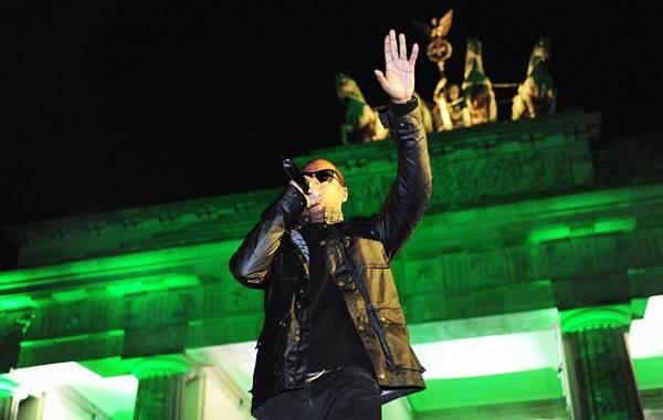 /content/music/ema/2009/photos/show-highlights/jayz-92799491.jpg