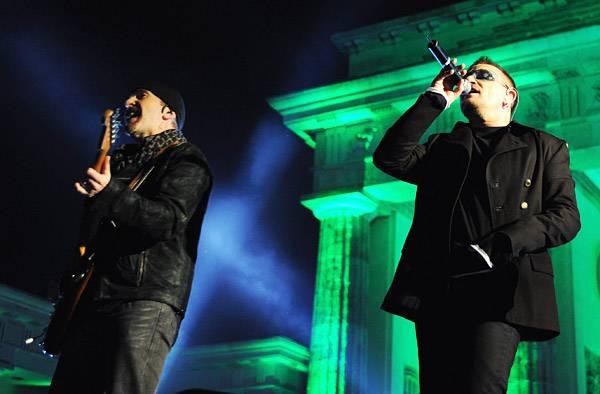 /content/music/ema/2009/photos/show-highlights/u2-92799577.jpg