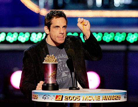 /content/ontv/movieawards/retrospective/photo/flipbooks/most-memorable-movie-awards-moments/2005-ben-stiller-best-villain.jpg