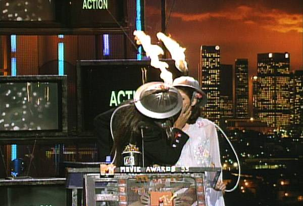 Movie & TV Awards 1992 | Lip Lock Flipbook Anthony Kiedis/Marisa Tomei | 600x408