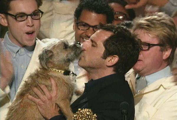Movie & TV Awards 1999 | Lip Lock Flipbook Ben Stiller/Puffy the Dog | 600x408