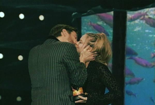 Movie & TV Awards 1997 | Lip Lock Flipbook Jim Carrey/Alicia Silverstone | 600x408