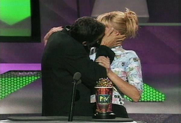 Movie & TV Awards 1996 | Lip Lock Flipbook Matthew Ashford/Natasha Henstridge | 600x408