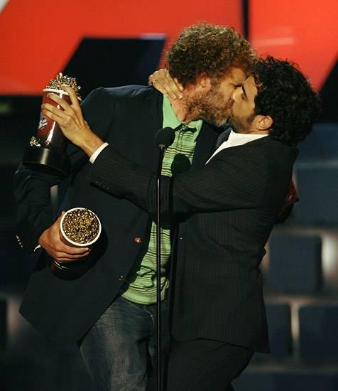 Movie & TV Awards 2007 | Lip Lock Flipbook Will Ferrell/Sacha Baron Cohen | 476x550