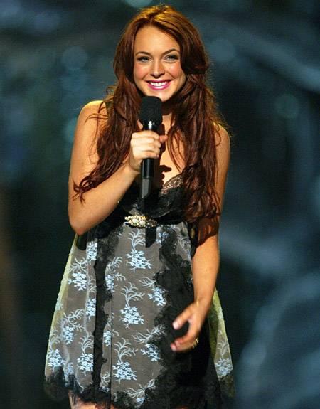 Movie & TV Awards 2004 | Host Lindsay Lohan | 450x575
