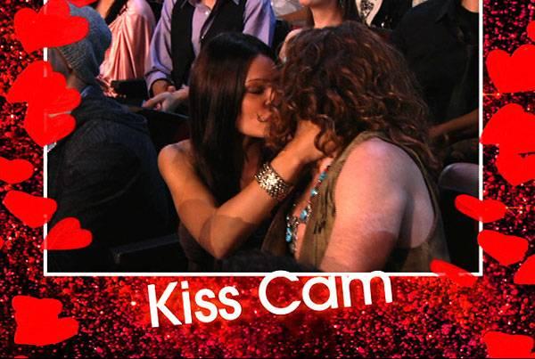 /content/ontv/movieawards/2010/photo/flipbook/10-show-highlights/shawn-white_kisscam_mtv.jpg