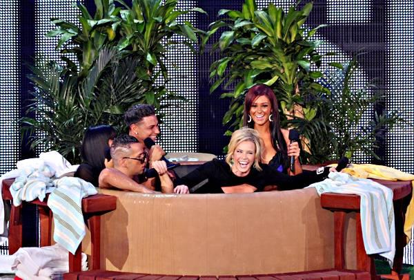 /content/ontv/vma/2010/photos/flipbooks/10-show-highlights/jersey-shore-cast-chelsea-handler-pg257748.jpg