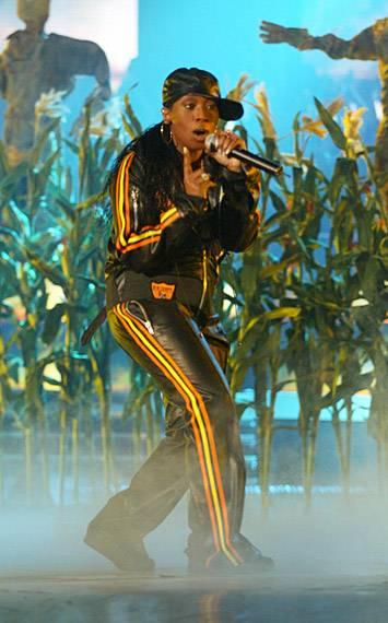 EMA 2003   Showstopping Performances Missy Elliot   355x570