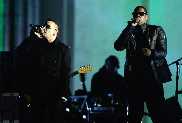 EMA 2009   Showstopping Performances Bono/Jay-Z   600x406