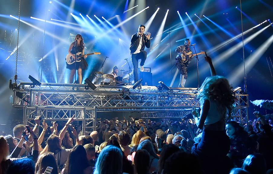 EMA 2016   Showstopping Performances DNCE   902x576