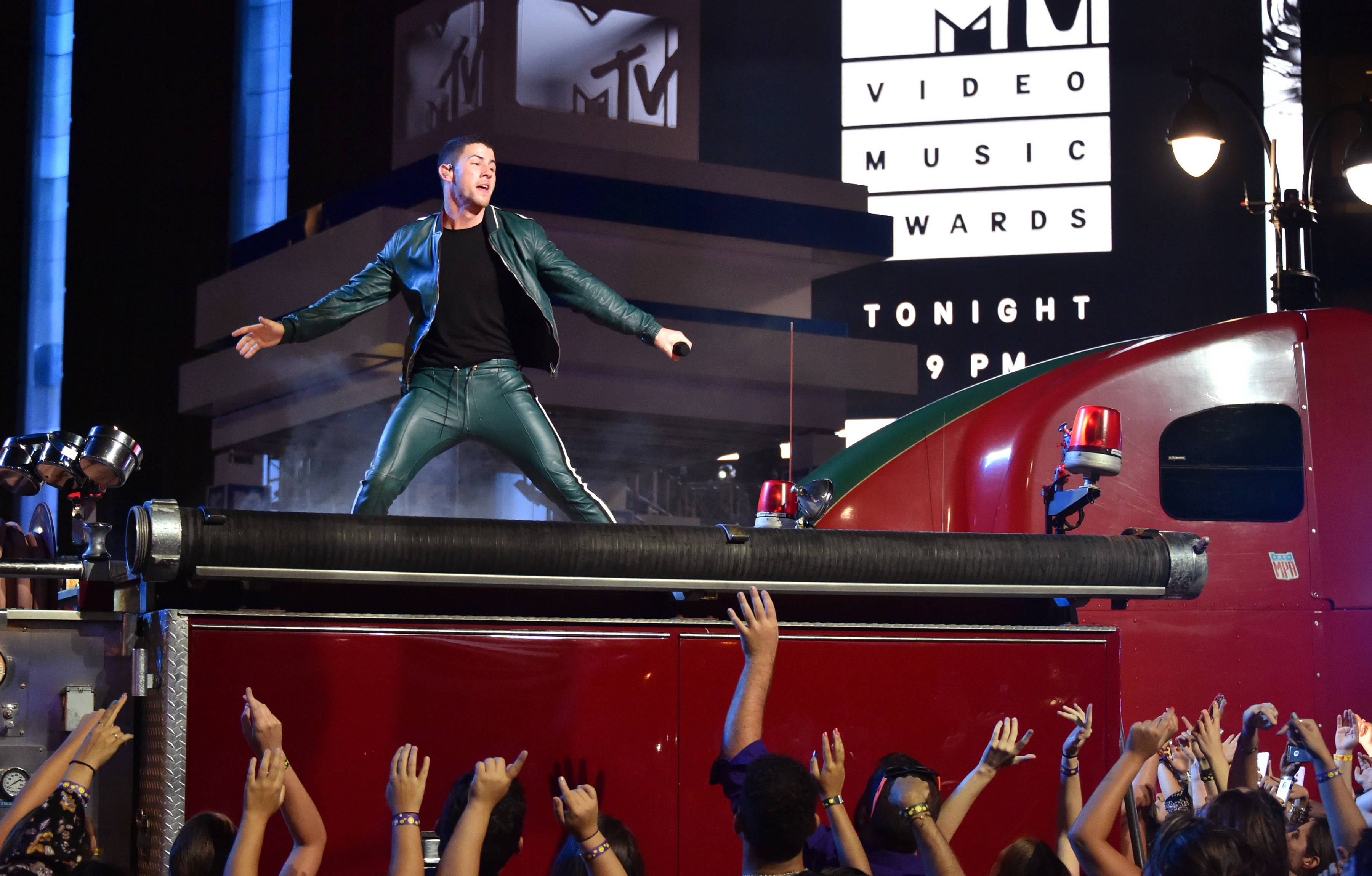 """Nick Jonas makes us all kinds of hungry during his performance of """"Bacon"""" featuring Ty Dolla $ign at the 2016 VMAs."""
