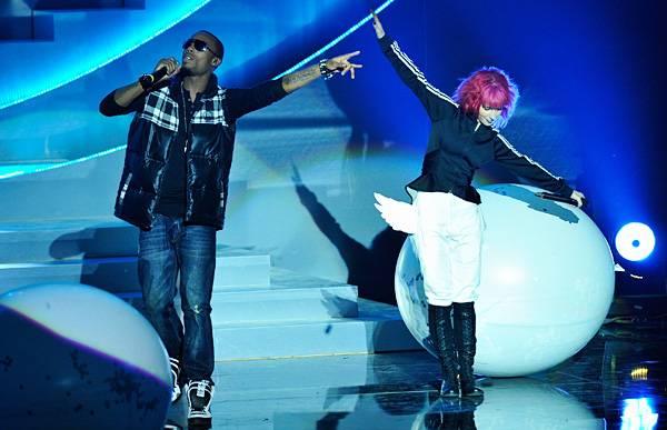 /content/music/ema/2010/photos/flipbooks/show-highlights/hayley-williams-106618455.jpg