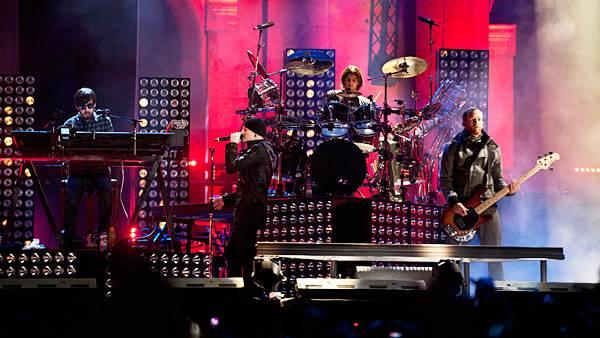 /content/music/ema/2010/photos/flipbooks/show-highlights/linkin-park-106619174.jpg