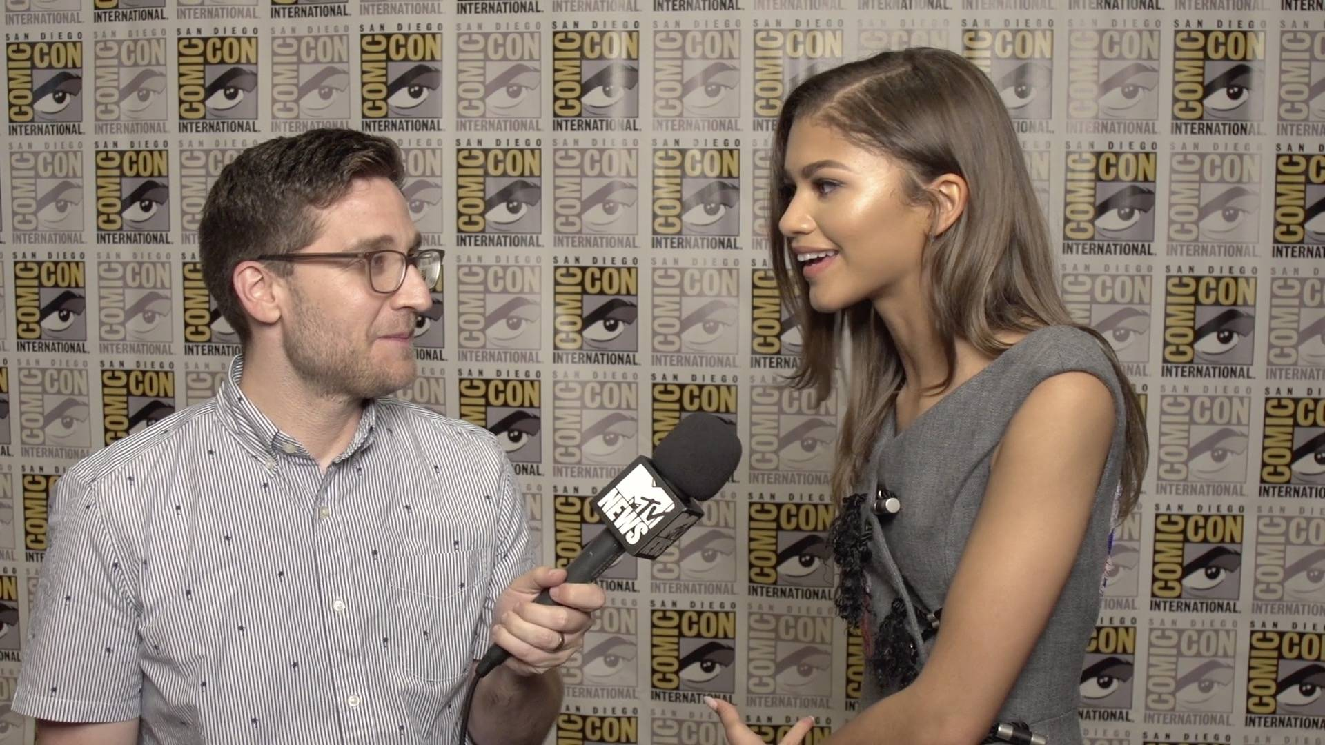 f08fb3df4d34 Zendaya Reacts to 'Spider-Man' Footage at SDCC - MTV News (Video Clip) | VMA