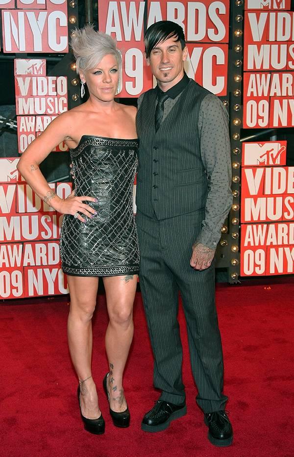 P!nk and Cory Hart at the 2009 VMAs.