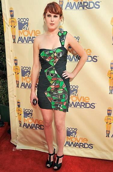 /content/ontv/movieawards/2012/photo/flipbooks/movie-awards-style/mini-dresses/2009-rumer-willis-88085403.jpg