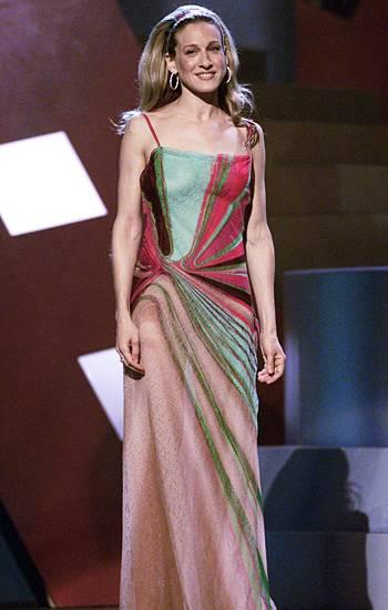 /content/ontv/movieawards/2012/photo/flipbooks/movie-awards-style/prints-and-patterns/2010-sarah-jessica-parker-2189235.jpg