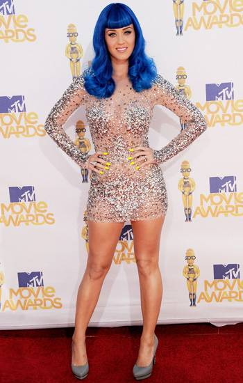 /content/ontv/movieawards/2012/photo/flipbooks/movie-awards-style/sparkles-shards-and-sequins/2010-katy-perry-137725903.jpg