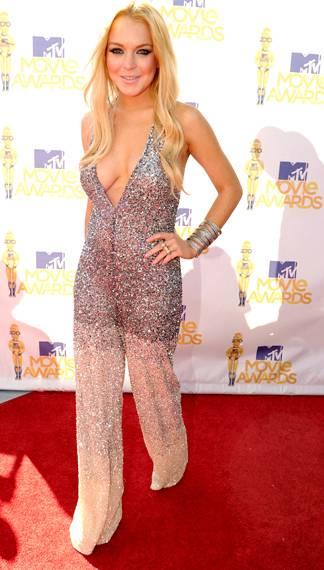 /content/ontv/movieawards/2012/photo/flipbooks/movie-awards-style/sparkles-shards-and-sequins/2010-lindsay-lohan-pg199313.jpg