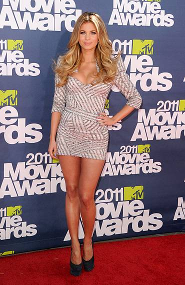 /content/ontv/movieawards/2012/photo/flipbooks/movie-awards-style/sparkles-shards-and-sequins/2011-amber-lancaster-115267467.jpg