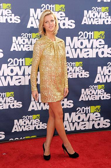 /content/ontv/movieawards/2012/photo/flipbooks/movie-awards-style/sparkles-shards-and-sequins/2011-brooklyn-decker-115268404.jpg