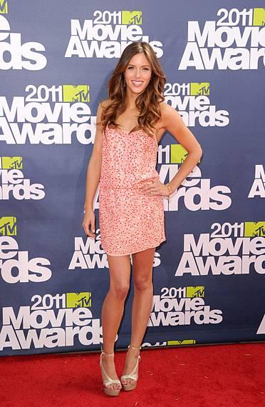/content/ontv/movieawards/2012/photo/flipbooks/movie-awards-style/sparkles-shards-and-sequins/2011-kayla-ewell-115268244.jpg
