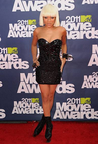 /content/ontv/movieawards/2012/photo/flipbooks/movie-awards-style/sparkles-shards-and-sequins/2011-lil-mama-115267591.jpg