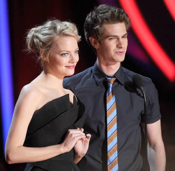 /content/ontv/movieawards/2012/photo/flipbooks/12-show-highlights/emma_stone_andrew_garfield_getty145698568.jpg