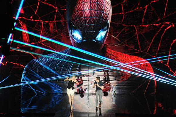 /content/ontv/movieawards/2012/photo/flipbooks/12-show-highlights/amazing_spiderman_emma_stone_andrew_garfield_getty145703567.jpg