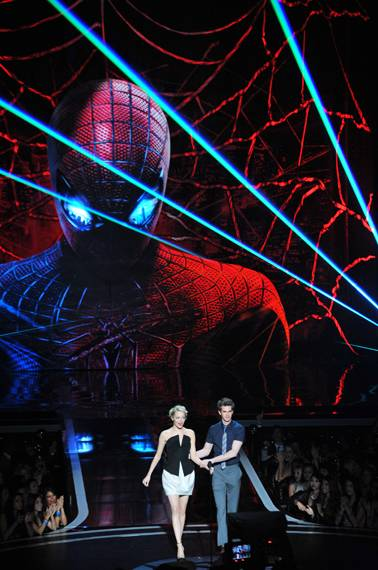 /content/ontv/movieawards/2012/photo/flipbooks/12-show-highlights/amazing_spiderman_emma_stone_andrew_garfield_pg708232.jpg