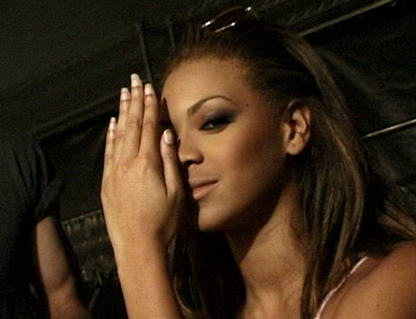 /content/style/photos/flipbooks/house-of-style/073-VMA00/HOS-73-VMA00-007-beyonce-knowles.jpg