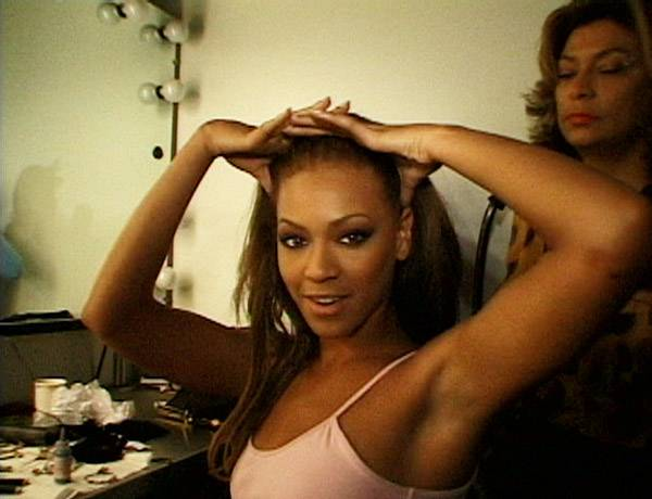 /content/style/photos/flipbooks/house-of-style/073-VMA00/HOS-73-VMA00-020-beyonce-knowles.jpg