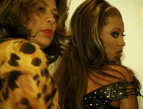 /content/style/photos/flipbooks/house-of-style/073-VMA00/HOS-73-VMA00-037-beyonce-knowles-tina.jpg