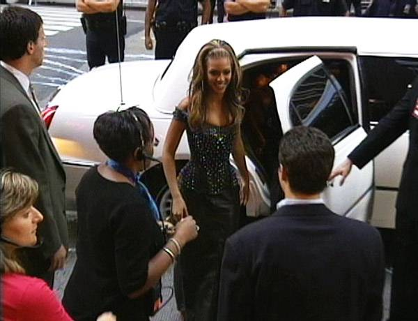 /content/style/photos/flipbooks/house-of-style/073-VMA00/HOS-73-VMA00-044-beyonce-knowles.jpg