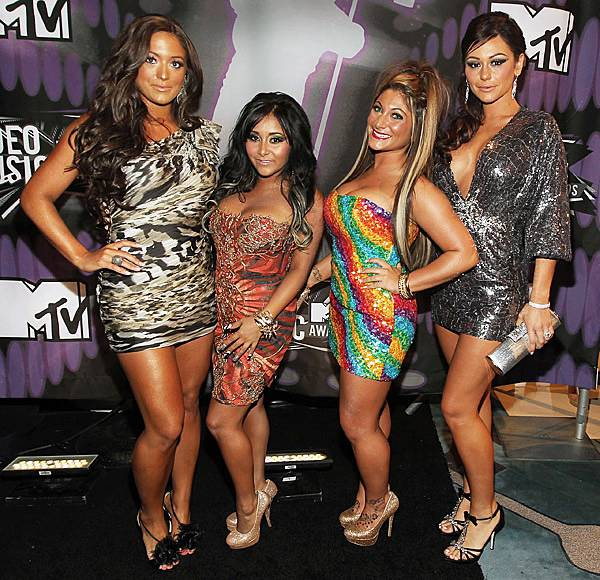 'Jersey Shore' ladies Sammi Sweetheart, Snooki, Deena and JWOWW are all prints and patterns at the 2011 MTV Video Music Awards.