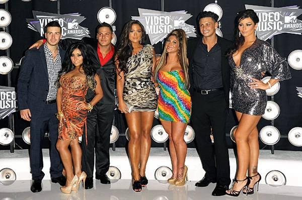 No grenades in sight! The 'Jersey Shore' castmates dazzle on the 2011 VMA red carpet.